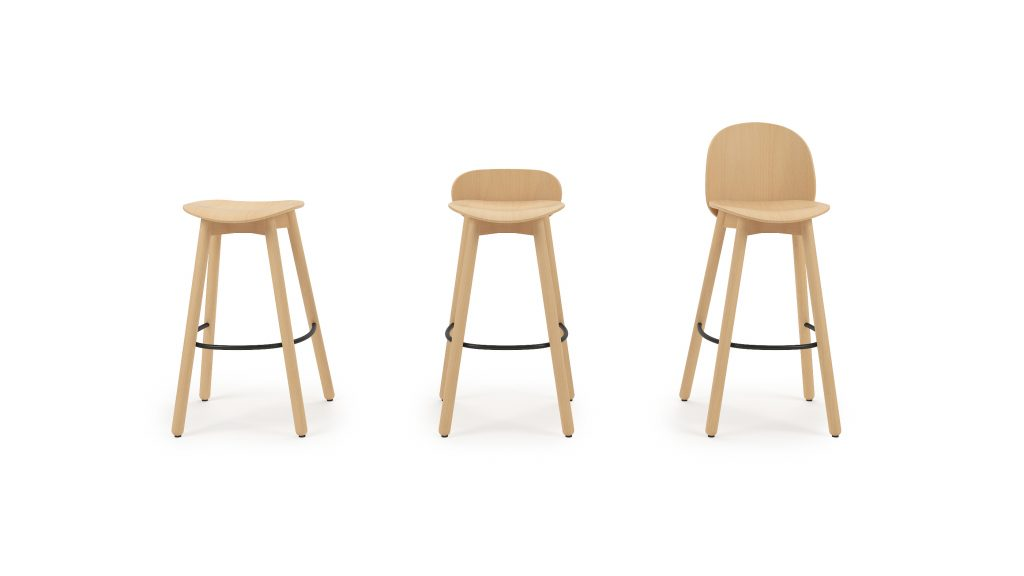 Beech bar stool 75_Studio_Naturel_Front_001A_V02